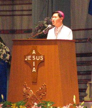Bp. Tagle delivering his keynote address